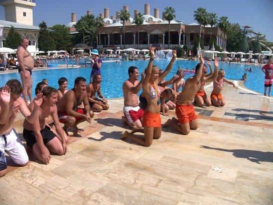 World of Wonders Topkapi Palace Hotel: Poolgames