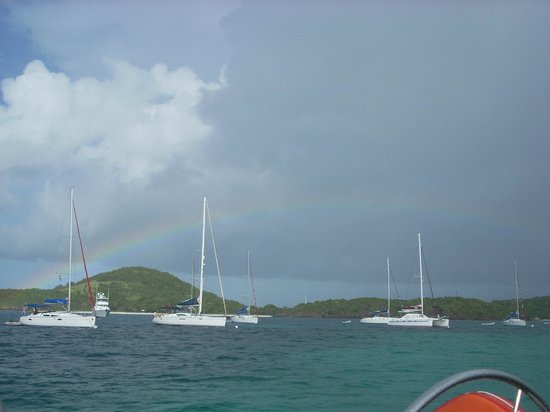 Oasis Marigot : rainbow view from breakfast on the boat
