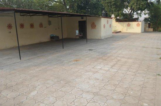 Devi Niketan Heritage Hotel: relax here?