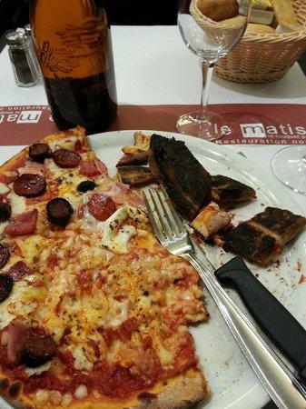 Le Matisse : Pizza a la charbon!