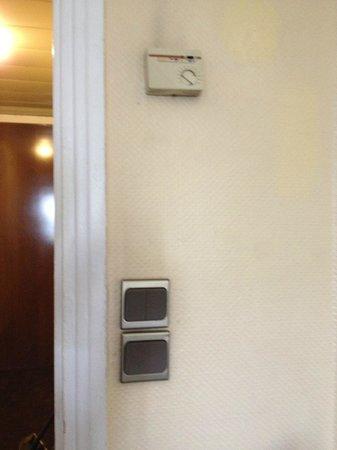 Hotel Albert 1er : tired decor