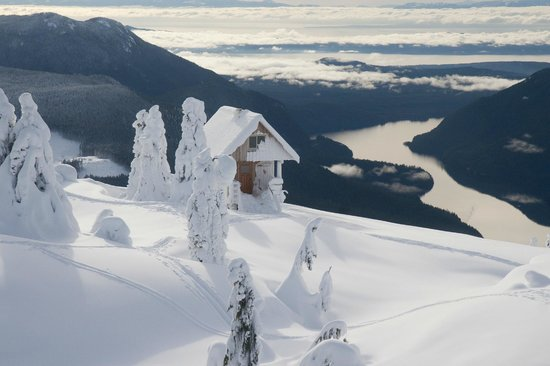 The Sunshine Coast Trail - Day Tours: Tin Hat Hut mid winter - Emma Levez Larocque photo