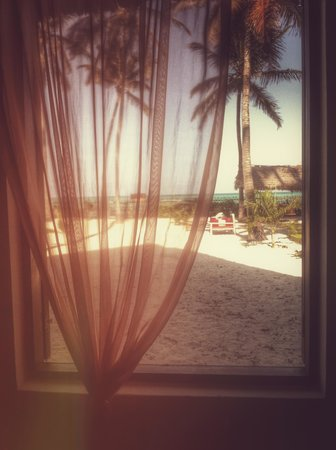 Raha Lodge Comfort Beach Villa: vista camera