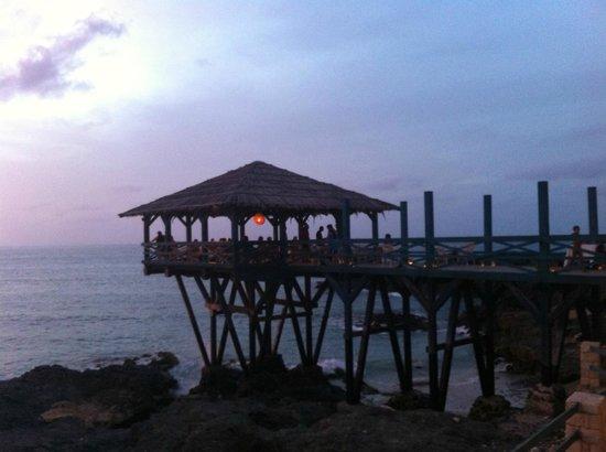 Marine Club Beach Resort : Pontile dell'hotel