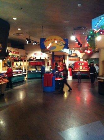Disney's Hotel Santa Fe : The restaurant and breakfast.