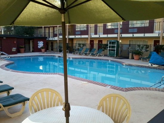 BEST WESTERN Country Inn - North: Pool