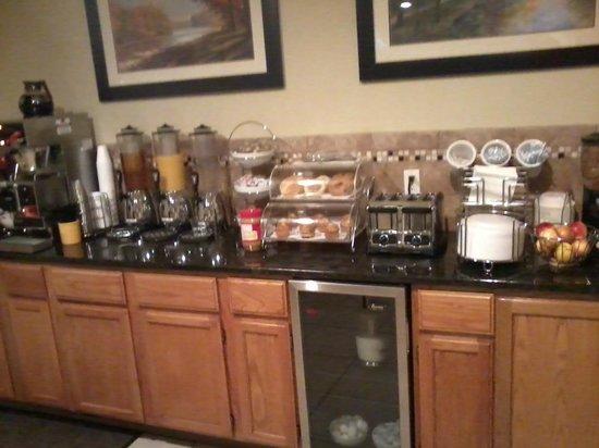 BEST WESTERN Country Inn - North: Breakfast
