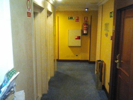 Gran Versalles Hotel : zona de ascensores