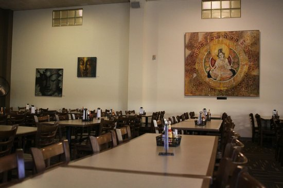 Kripalu Center for Yoga & Health: Cafeteria: Breakfast is a silent meal