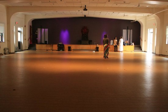 Kripalu Center for Yoga & Health: Some yoga classes taught in this room.  I was trained in this room.