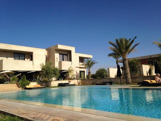 Sirayane Boutique Hotel & Spa: vue piscine et hôtel
