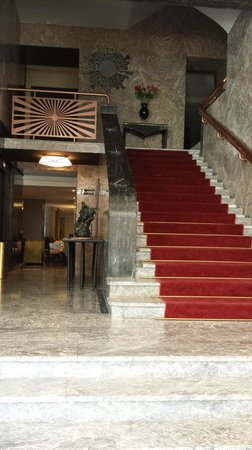Imperial Casablanca Hotel & Spa: Stairs from reception