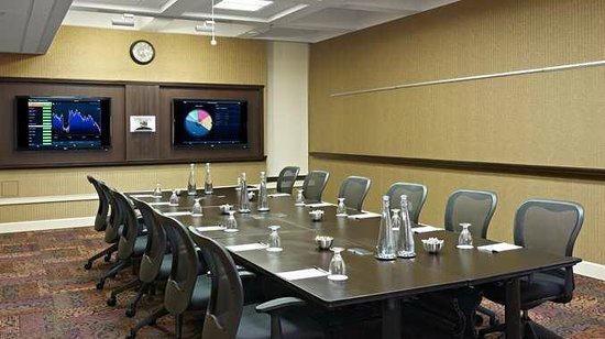 DoubleTree by Hilton Hotel & Conference Centre Regina: Conference Room