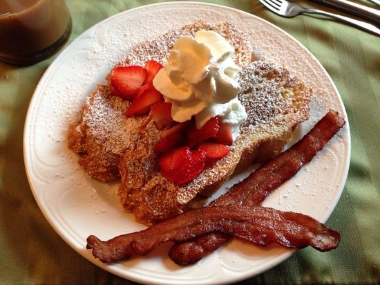 Cedar Springs Bed and Breakfast Lodge: A perfect French toast