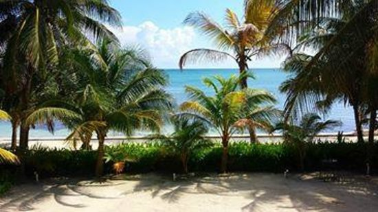 Belize Tradewinds Paradise Villas: Balcony patio view from 23B