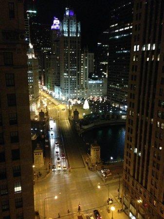Comfort Suites Michigan Avenue / Loop : from the corner room!