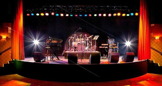 Plateau Fine Dining: Wildhorse Sports Bar Stage