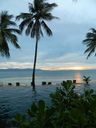 The COAST Resort - Koh Phangan: Pool & Beach