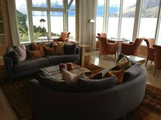 Matakauri Lodge: Lobby Seating Area