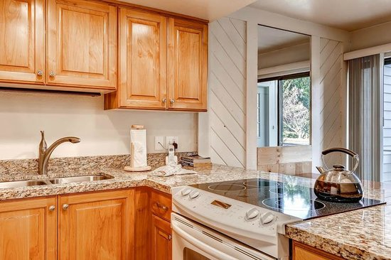 Wyndham Vacation Rentals Park City: Racquet Club Kitchen