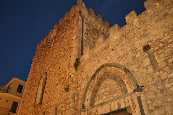 Cattedrale di Taormina : outside view