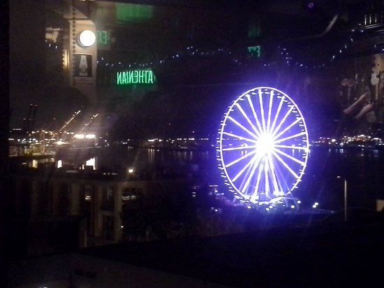 View of Seattle's Great Wheel from the Athenian Inn