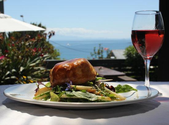 Solar Eating House : Portobello Mushroom & Kikorangi Blue Cheese Tartlet on a roasted pear and walnut salad plus a gl