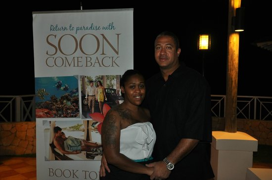 Sandals Montego Bay : The Come Back Soon Cocktail Hour for returning guest