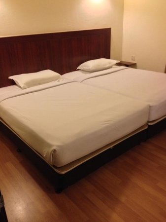 Bukit Gambang Resort City: 2 double beds in each room
