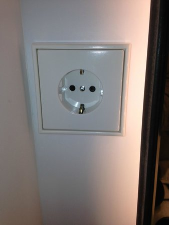 Olivia Balmes Hotel : electrical outlet