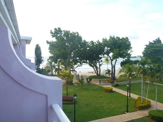 Hotel Riu Palace Tropical Bay: You can see the ocean from Garden view room