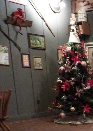 elkton cracker barrel christmas tree