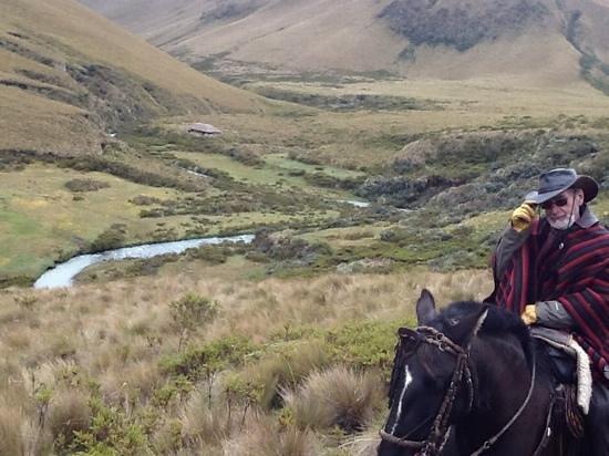Hacienda Yanahurco: un paraiso escondido al fondo la cabaña para acampar en el paramo