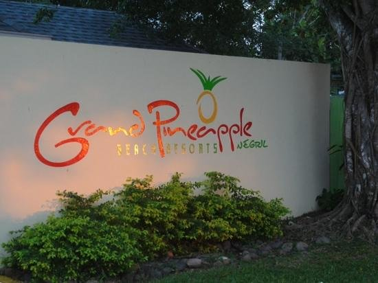 Grand Pineapple Beach Negril: A Hidden Gem!