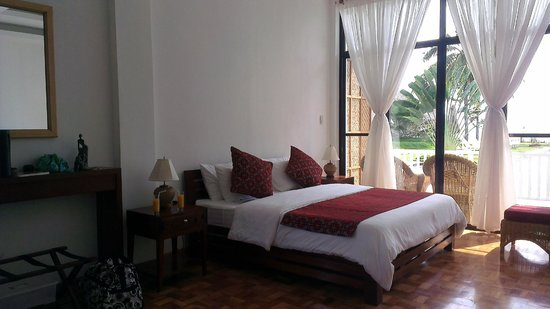 Sea Dream Resorts: Room right in front of the pool