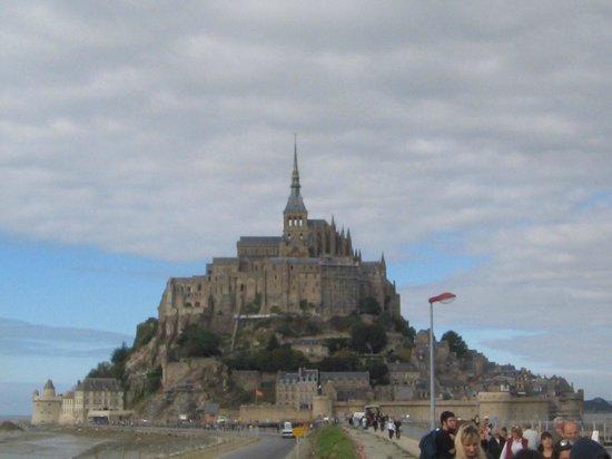 mont saint michel picture of mont saint michel normandy tour emi travel paris paris. Black Bedroom Furniture Sets. Home Design Ideas