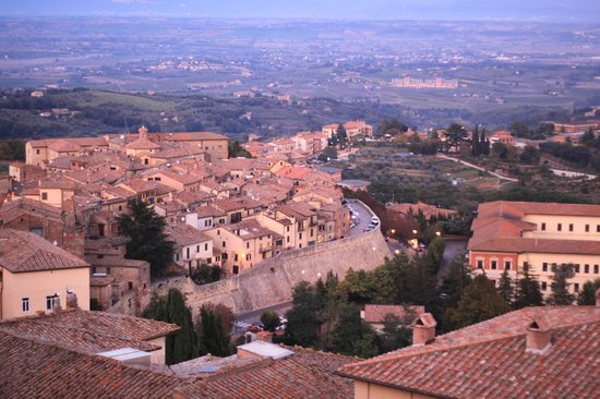 Meuble il Riccio: Montepulciano and surrounding Tuscan countryside