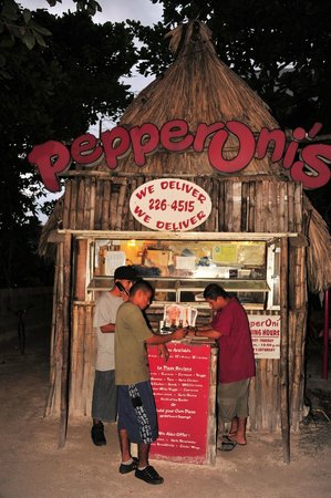 Pepperoni's Pizza: Don't judge a book by it's cover!
