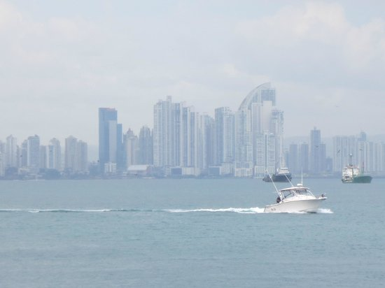 Panama RoadRunner Transportation : View of Panama City from the Amador Causeway
