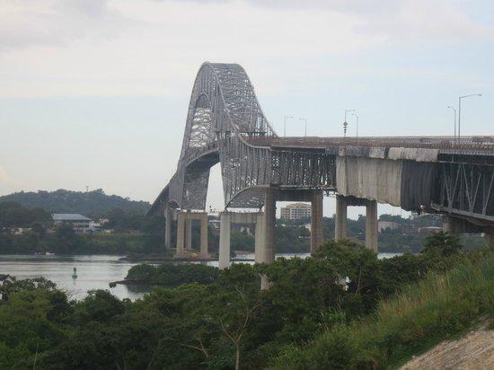 Panama RoadRunner Transportation : View of the Bridge of the Americas