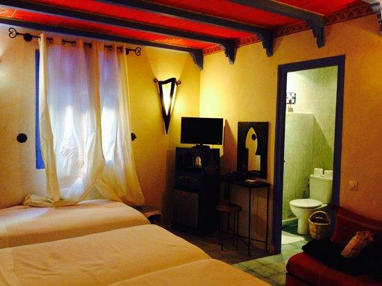 Dar Echchaouen: 770MADの部屋