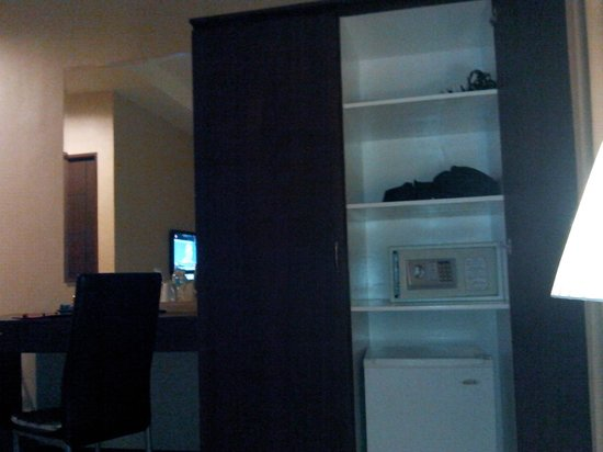Orion Hotel: cabinet