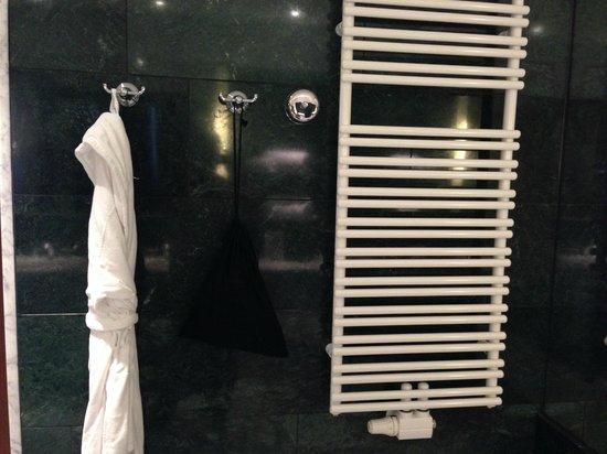 The Ritz-Carlton, Vienna: Towerl Warmer