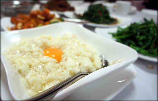 Eastwood Garden Peking Restaurant : Stir fry crab meat and egg white