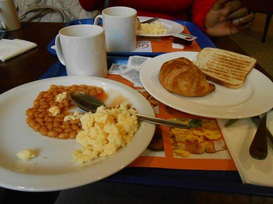 Holiday Inn Express Birmingham NEC: Café da manhã