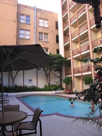 Handlery Union Square Hotel: Pool Area