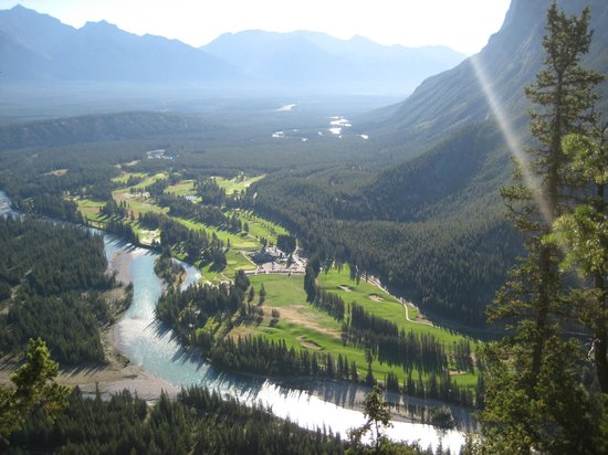 Tunnel Mountain Trail: View of the golf course from one side of the mountain.