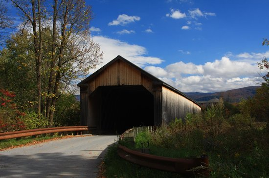 Northfield, VT: Covered bridge on Cox Brook road