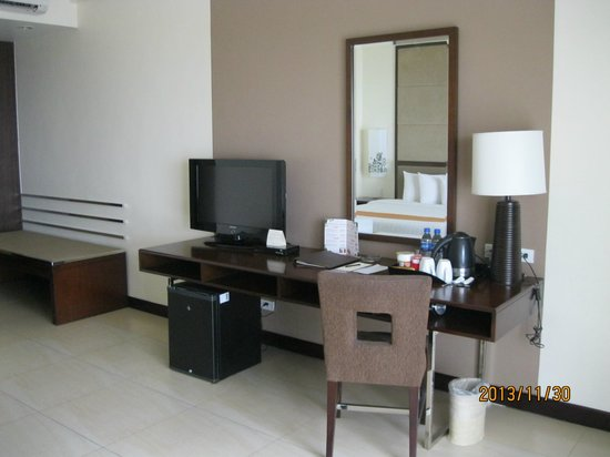 Taal Vista Hotel: Room 484 -- our room