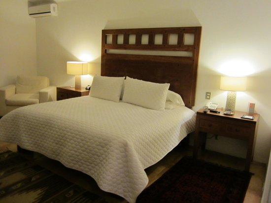 Casareyna Hotel: Room 207